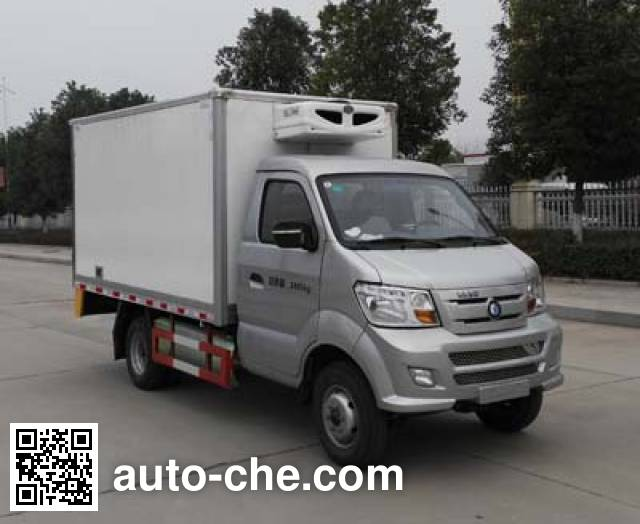 Sinotruk CDW Wangpai CDW5030XLCN2M5D refrigerated truck