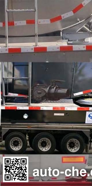 Changhua HCH9400GRH40 lubricating oil tank trailer