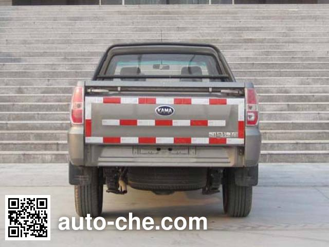 Kama KMC1027A33S4 pickup truck
