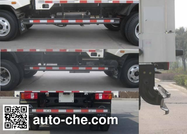 Kama KMC2042A33P5 off-road truck