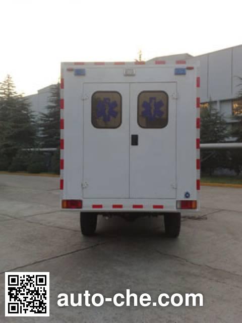 依维柯牌NJ2054XJHG越野救护车