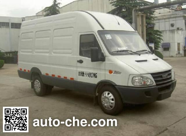 Iveco NJ5044XLCC refrigerated truck