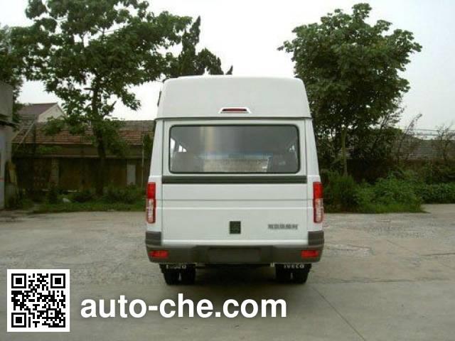 Iveco NJ6604ACM MPV