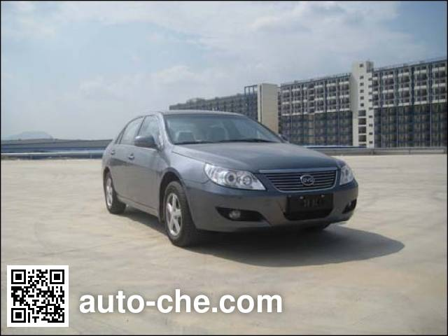 Двухтопливный легковой автомобиль BYD QCJ7200E/CNG