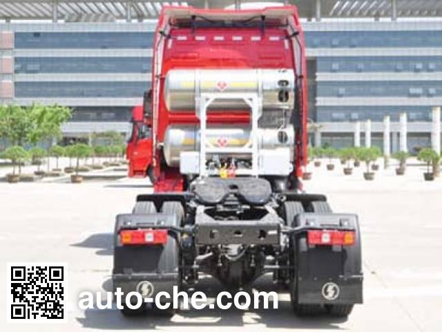 Shacman SX42584Y384TLW dangerous goods transport tractor unit