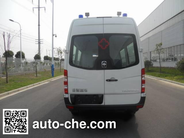 亚星牌YBL5040XJH救护车