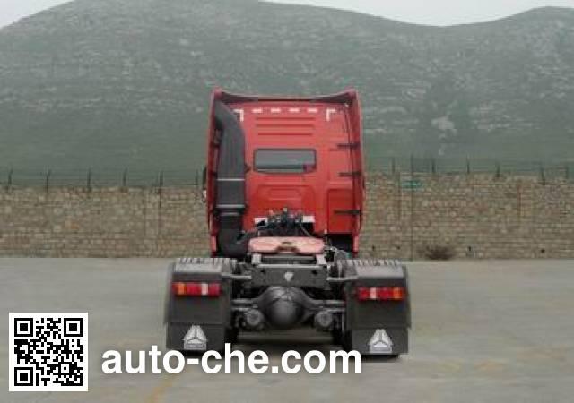 Sinotruk Howo ZZ4257V3247P1M tractor unit