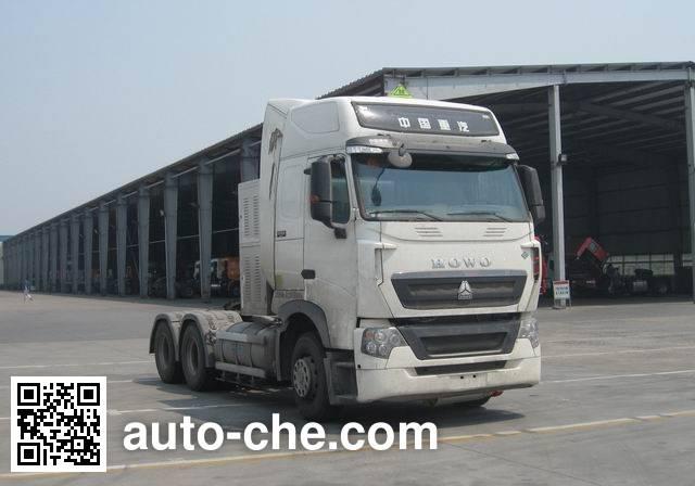 Sinotruk Howo ZZ4257V384HE1LW dangerous goods transport tractor unit