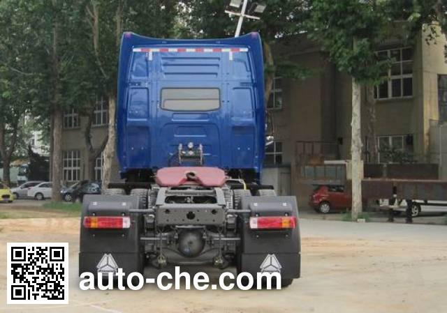 威泺牌ZZ4259M394CC1Z集装箱半挂牵引车