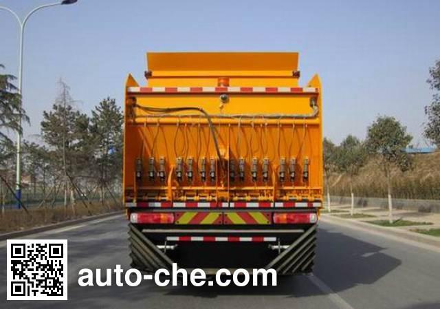 Sinotruk Howo ZZ5317TFC synchronous chip sealer truck