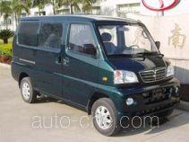 Dongnan DN5028XXY3 box van truck
