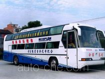 Qingnian JNP6125W-5 sleeper bus
