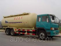 Hydrated lime transport truck