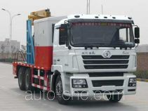 Shacman SX5196TCY1 well servicing rig (workover unit) truck