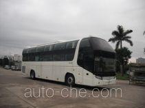 金旅牌XML6128J18W型卧铺客车