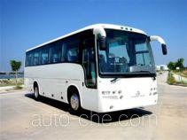 金旅牌XML6935E1A型旅游客车
