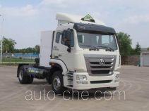 Sinotruk Hohan ZZ4185V4216E1LW dangerous goods transport tractor unit