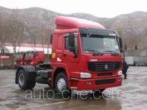 豪泺牌ZZ4187M3517CZ型集装箱半挂牵引车