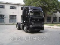 Sinotruk Howo ZZ4187N3517P1Z container transport tractor unit