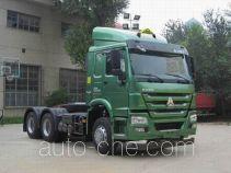 Sinotruk Howo ZZ4257N3247E1W dangerous goods transport tractor unit