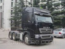 Sinotruk Howo ZZ4257V323HD1W dangerous goods transport tractor unit