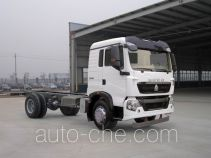 Sinotruk Howo ZZ5167XXYG561GE1L van truck chassis