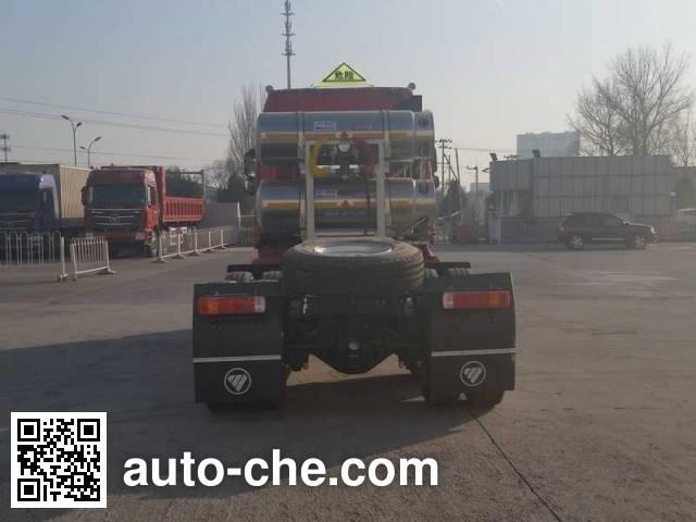 Foton Auman BJ4253SNFCB-AF dangerous goods transport tractor unit