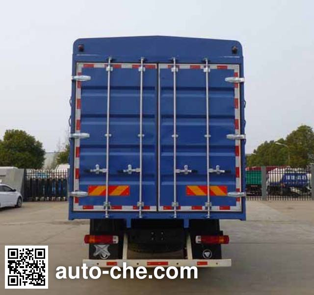 Foton Auman BJ5163CCQ-AA livestock transport truck