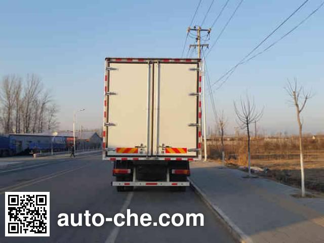 Foton Auman BJ5163XLC-XA refrigerated truck