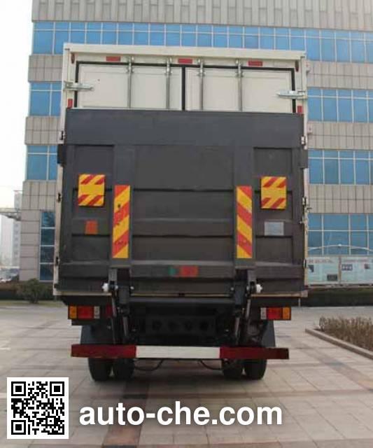 Foton BJ5256XYK-1 wing van truck