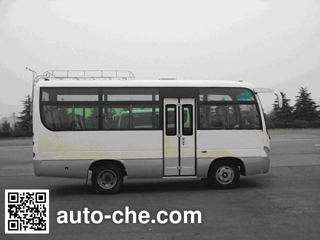 齐鲁牌BWC6605KA客车