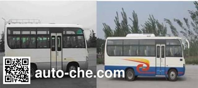 齐鲁牌BWC6665KA客车