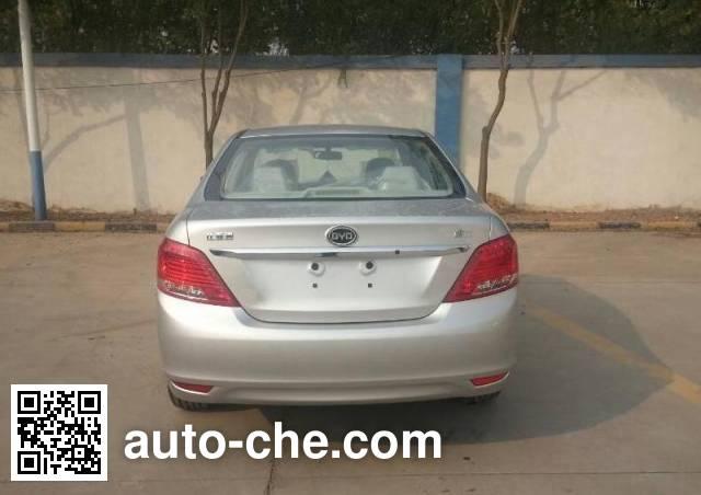 BYD BYD7150W8 car