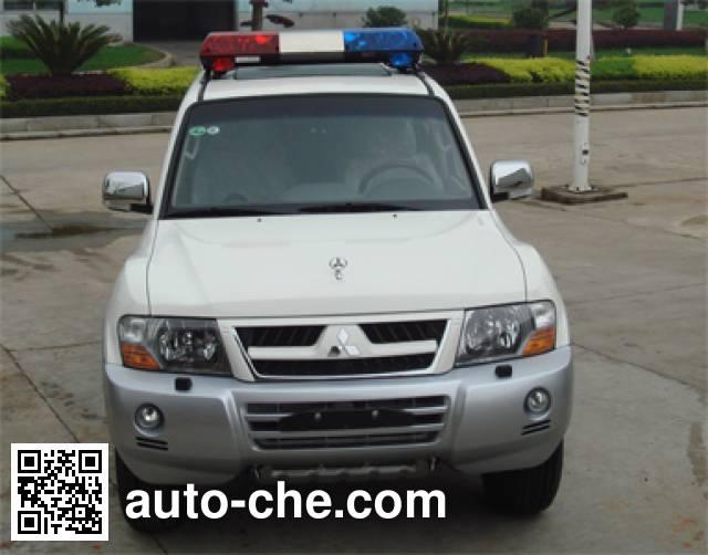 Mitsubishi CFA5037XQCC prisoner transport vehicle