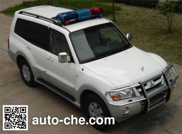 Mitsubishi CFA5037XQCB prisoner transport vehicle