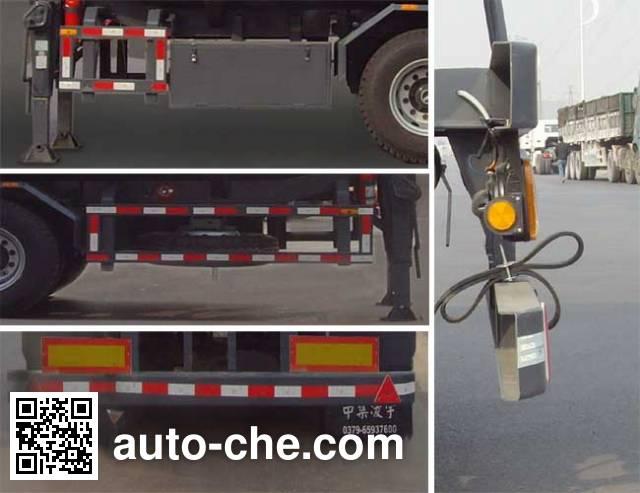 CIMC Lingyu CLY9350GRYA flammable liquid tank trailer