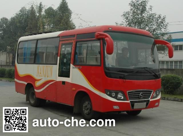 南骏牌CNJ6660LQDM客车