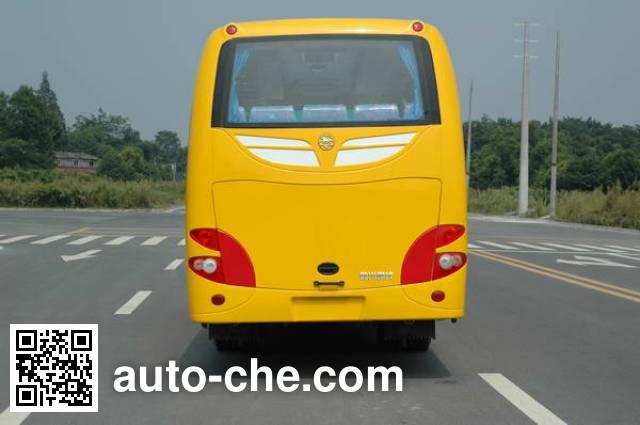 南骏牌CNJ6760LQNV客车
