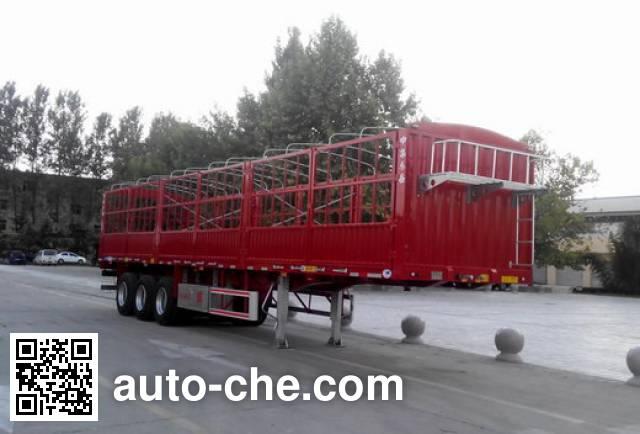 CIMC Liangshan Dongyue CSQ9400CCQ animal transport trailer