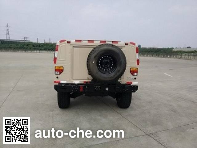 Dongfeng EQ2040M off-road vehicle
