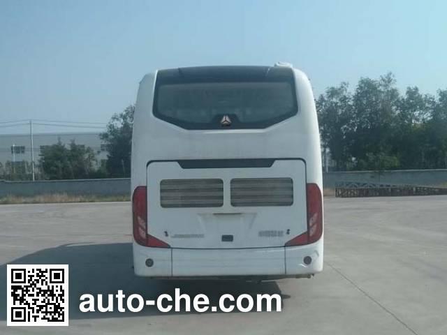 Huanghe JK6807H5 bus