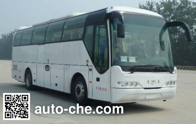 Young Man JNP6105M-1 luxury tourist coach bus