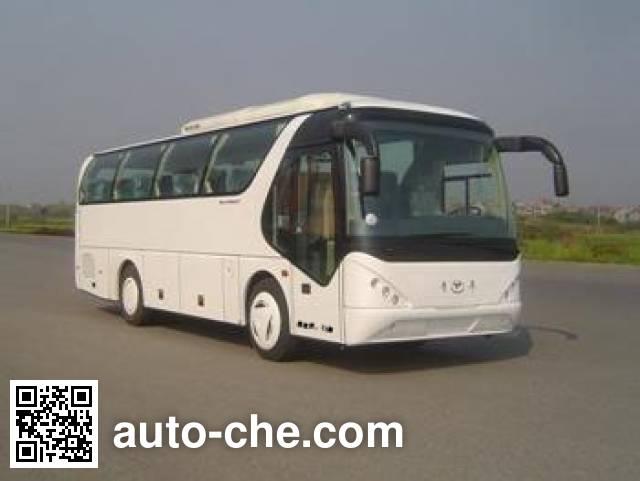 Young Man JNP6900M-1 luxury coach bus