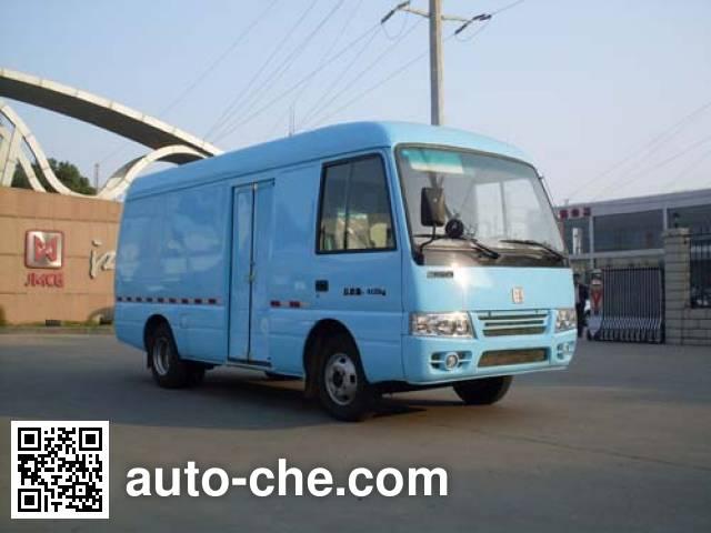 江铃牌JX5040XXYVDF厢式运输车