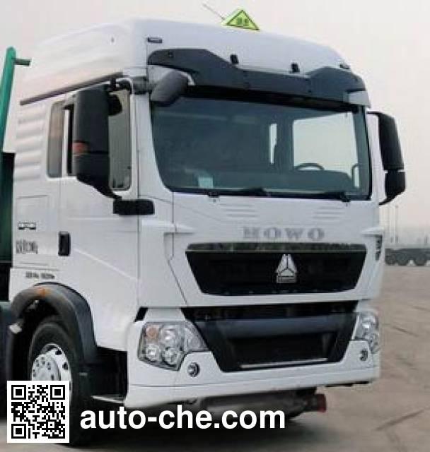 Luye JYJ5317GYYE oil tank truck
