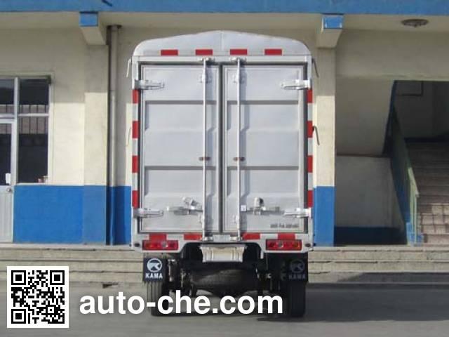 Kama KMC5030CCY26P4 stake truck