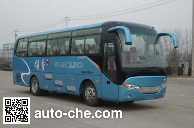 Zhongtong LCK6769HN1 bus