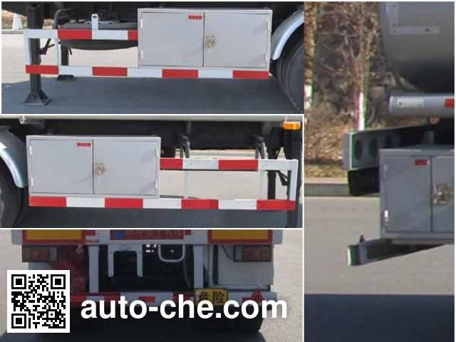 Luping Machinery LPC9402GYY oil tank trailer