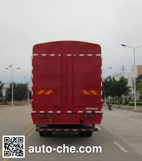 Chenglong LZ5161CCYM3AA stake truck