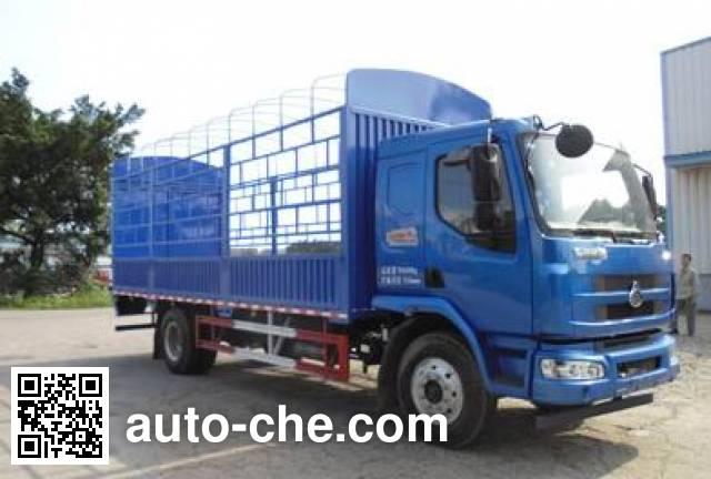 Chenglong LZ5166CCYM3AA stake truck
